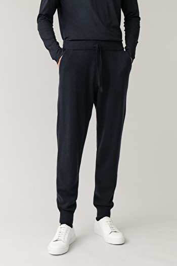 COS RELAXED CASHMERE TROUSERS,navy