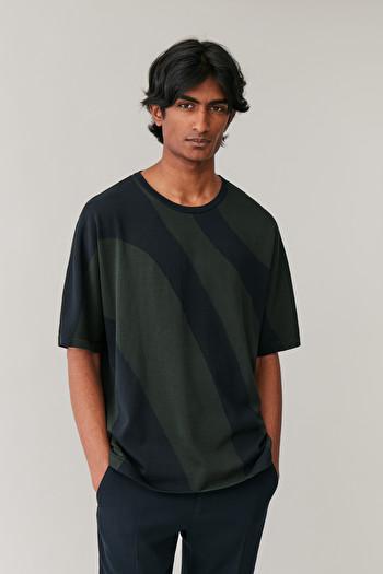 COS INTARSIA-KNIT T-SHIRT,navy \/ green