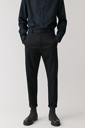 COS DROPPED CROTCH TAILORED COTTON CHINOS,midnight blue