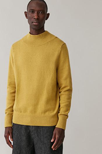 COS LONG COTTON-LINEN JUMPER,mustard yellow