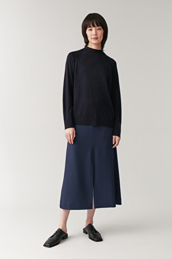 COS 에이라인 스커트 A-LINE SKIRT WITH SLITS,navy