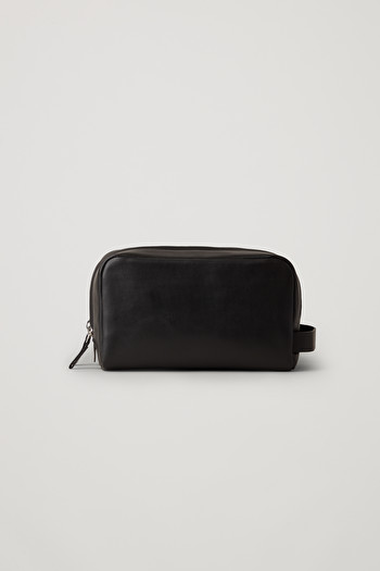 코스 가죽 파우치 COS LEATHER WASH BAG,black