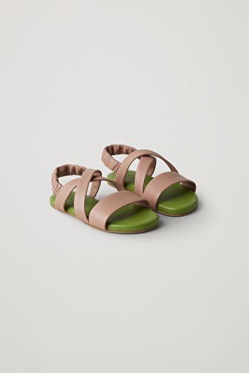 코스 키즈 샌들 COS LEATHER CROSSOVER-STRAP SANDALS,green  brown