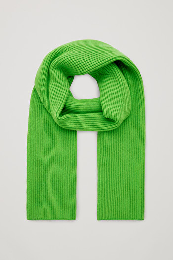 COS CHUNKY RIBBED CASHMERE SCARF,bright green