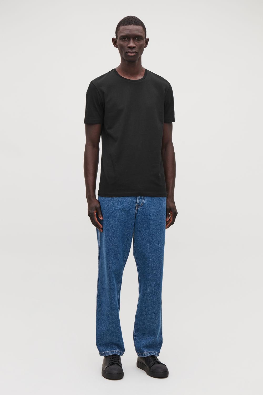 코스 맨 반팔 티셔츠 블랙 COS ROUND-NECK T-SHIRT
