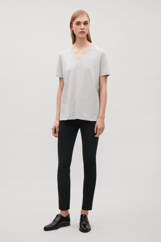 코스 브이넥 반팔 티셔츠 그레이 코스 COS V-NECK COTTON T-SHIRT
