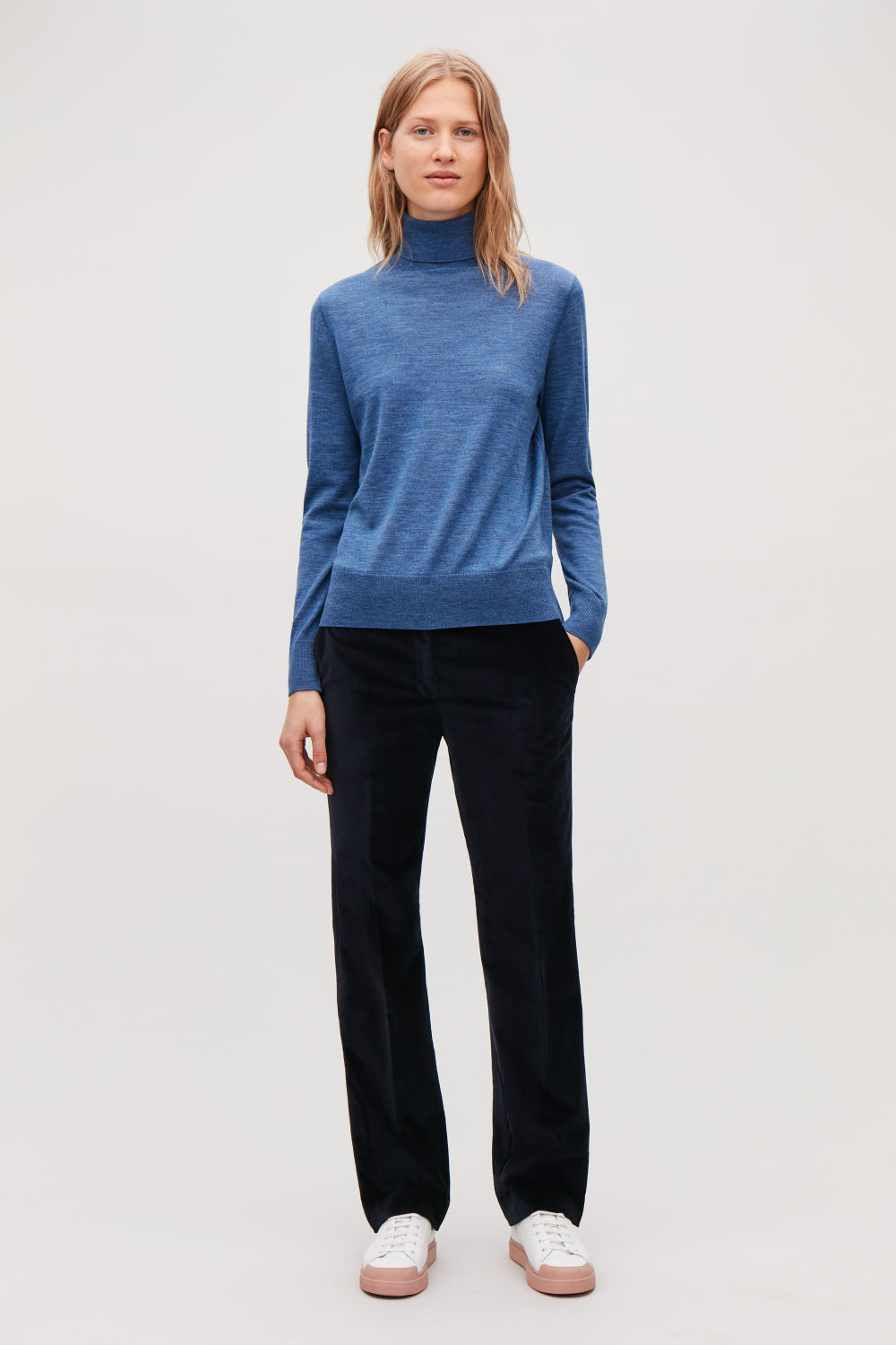 코스 COS MERINO ROLL-NECK JUMPER,Mid blue