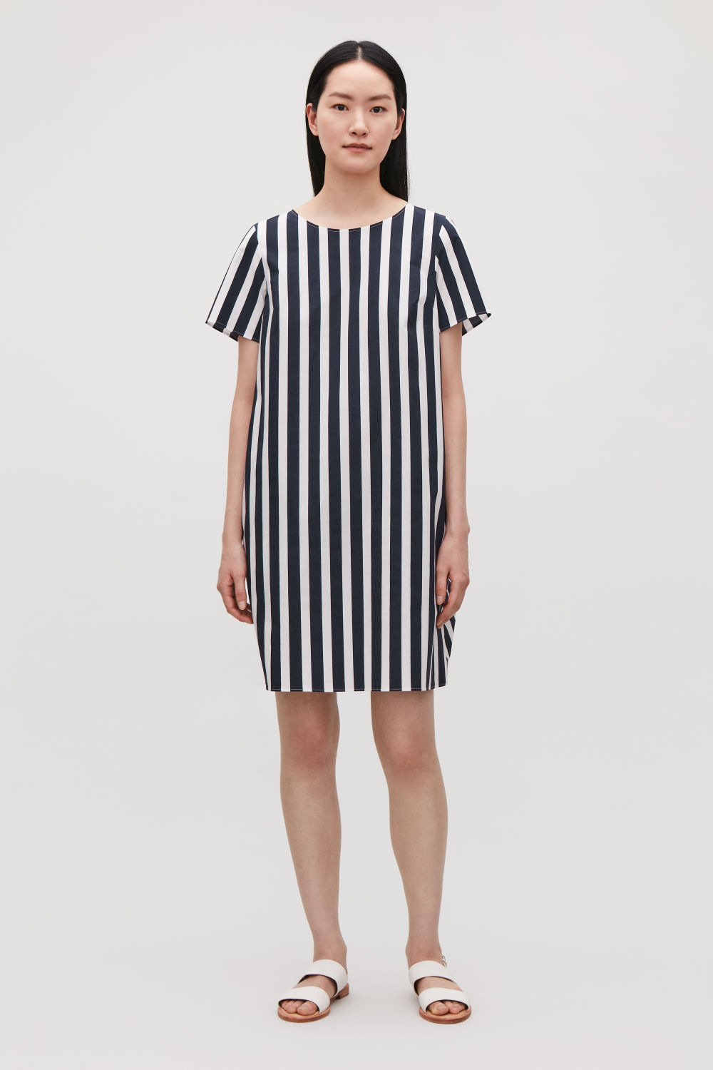 COS DRESS WITH DRAPED BACK,Navy \/ White