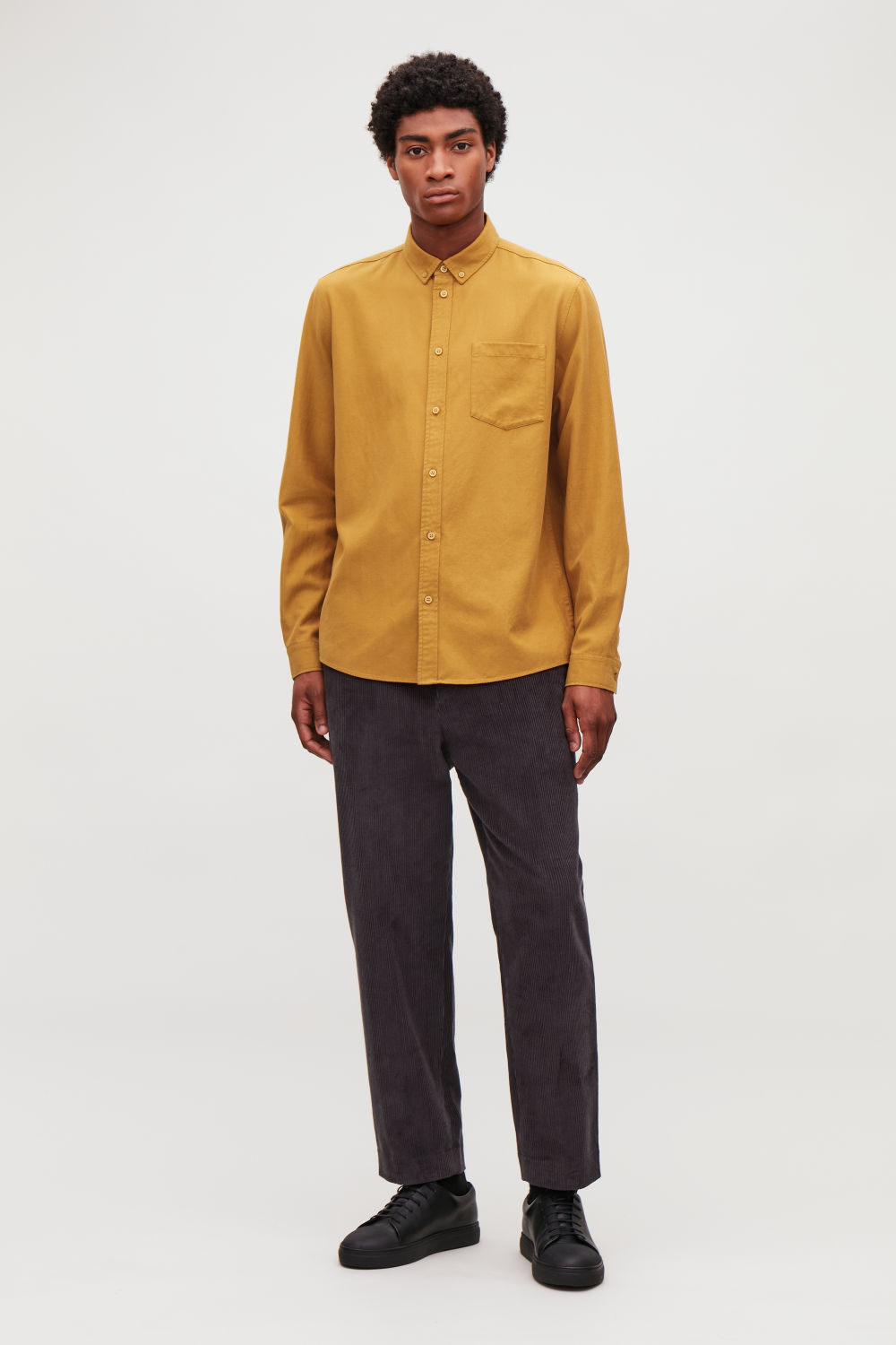 코스 COS COTTON BUTTON-DOWN SHIRT,Light mustard