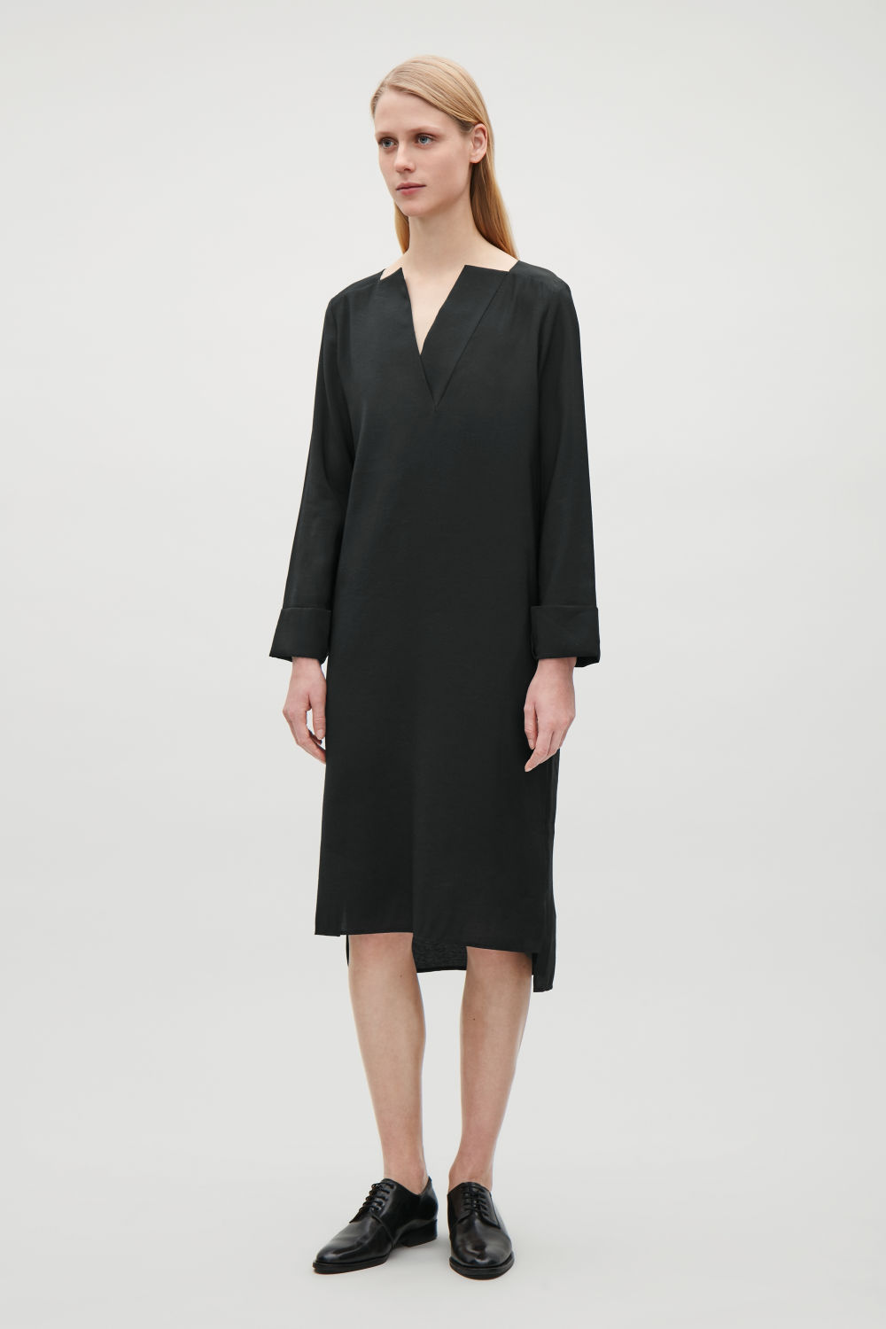 COS DRESS WITH TURN-UP CUFFS,Black