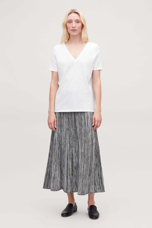 코스 브이넥 반팔 티셔츠 코스 COS WIDE V-NECK T-SHIRT