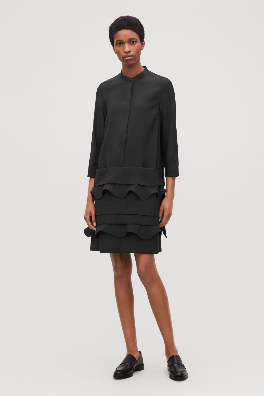 코스 COS SCALLOP-TRIM LAYERED DRESS,Black