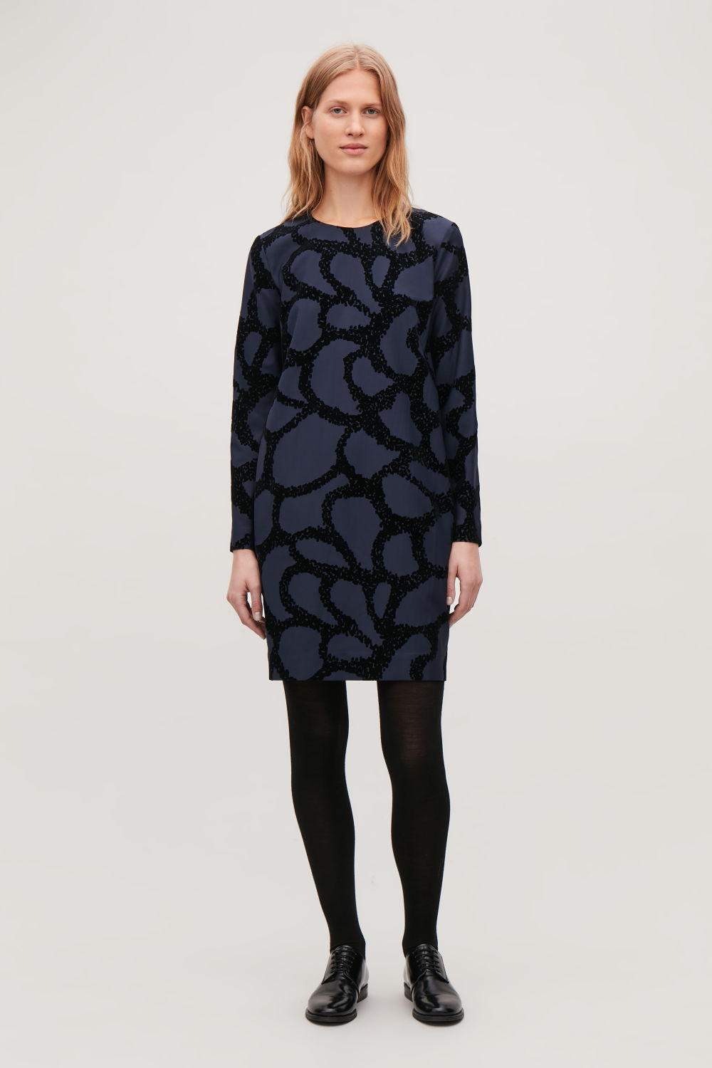 COS FLOCK-PRINT DRESS,Midnight blue \/ black