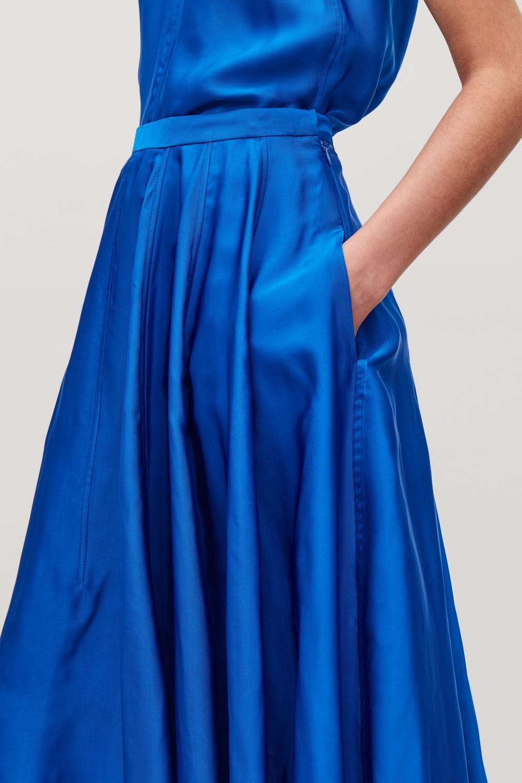 코스 COS TOPSTITCHED ASYMMETRIC SKIRT,Cobalt blue