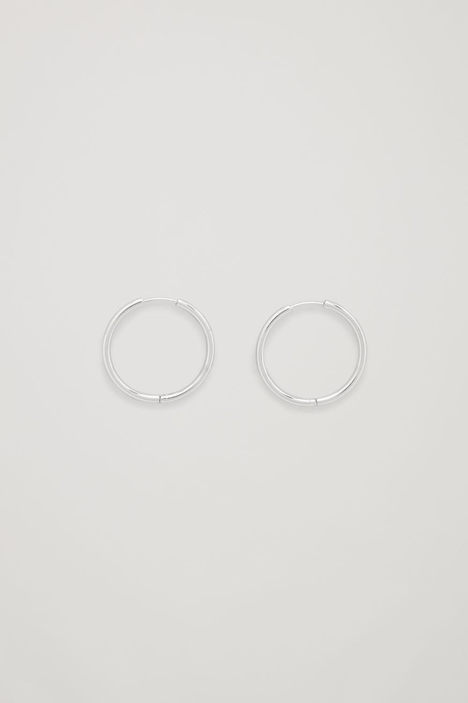 코스 COS MID-HOOP EARRINGS,Silver