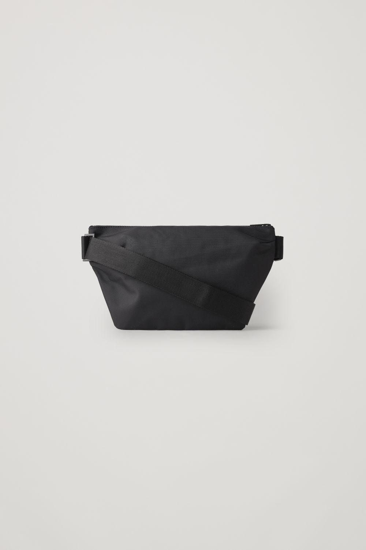 코스 집업 벨트백 COS ZIP-UP BELT BAG,Black