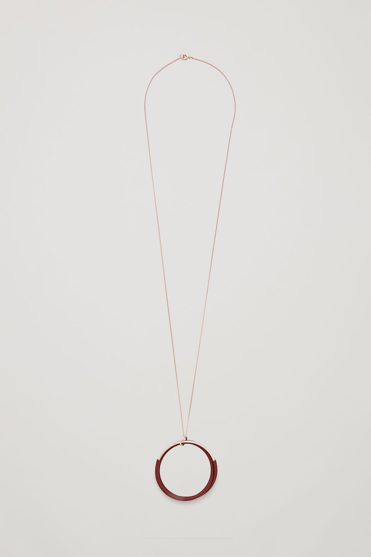 코스 COS LONG RUBBER-RING NECKLACE,Rose gold \/ burgundy
