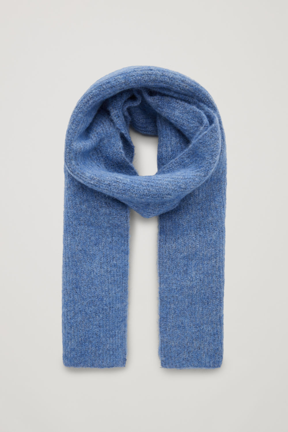 코스 COS FUZZY RIBBED-WOOL SCARF,Sky blue melange