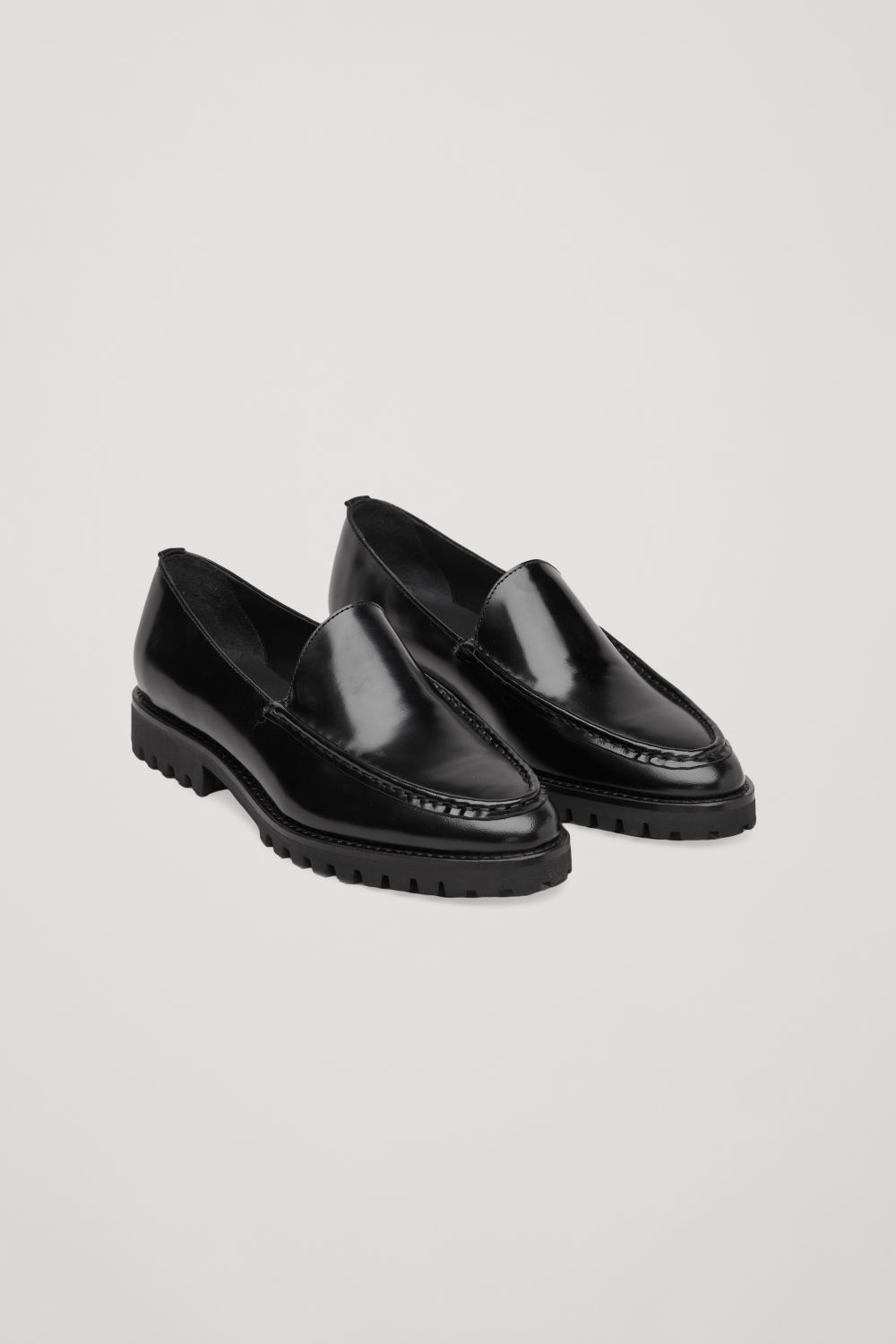 코스 COS RIDGED-SOLE LEATHER LOAFERS,Black