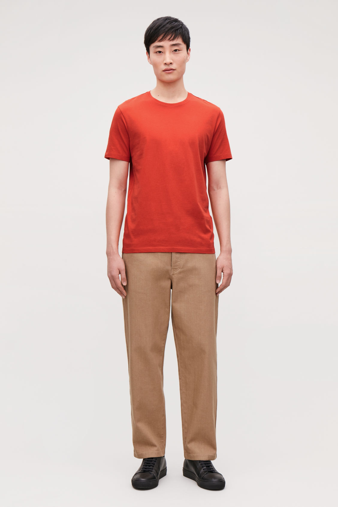 Model front image of Cos round-neck t-shirt in orange