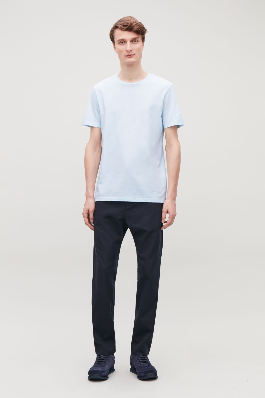 Model front image of Cos round-neck t-shirt in blue