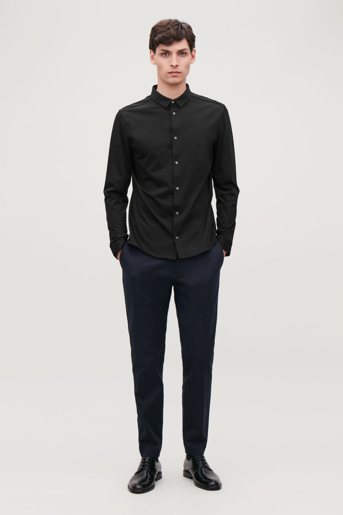 Model front image of Cos jersey shirt in black