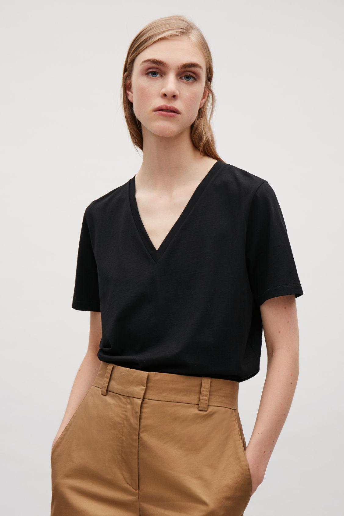 V-NECK COTTON T-SHIRT - Black - V-neck T-shirts - COS