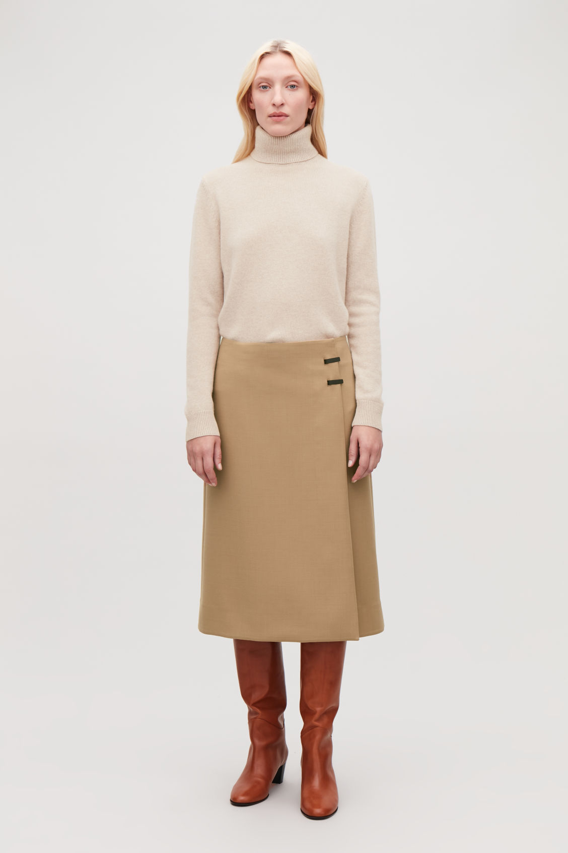 Model front image of Cos high-neck cashmere jumper in beige