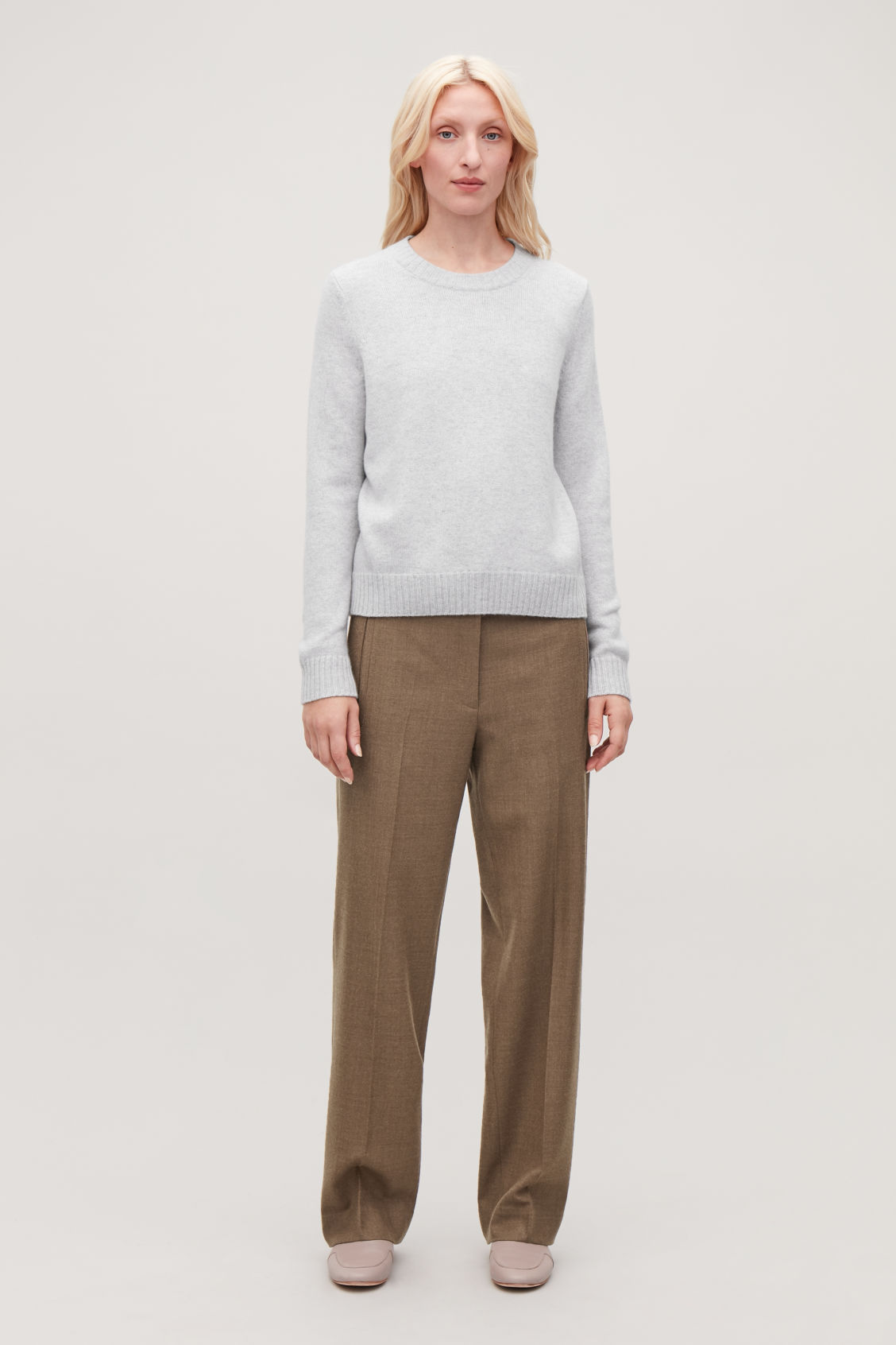 Model front image of Cos round-neck cashmere jumper  in grey