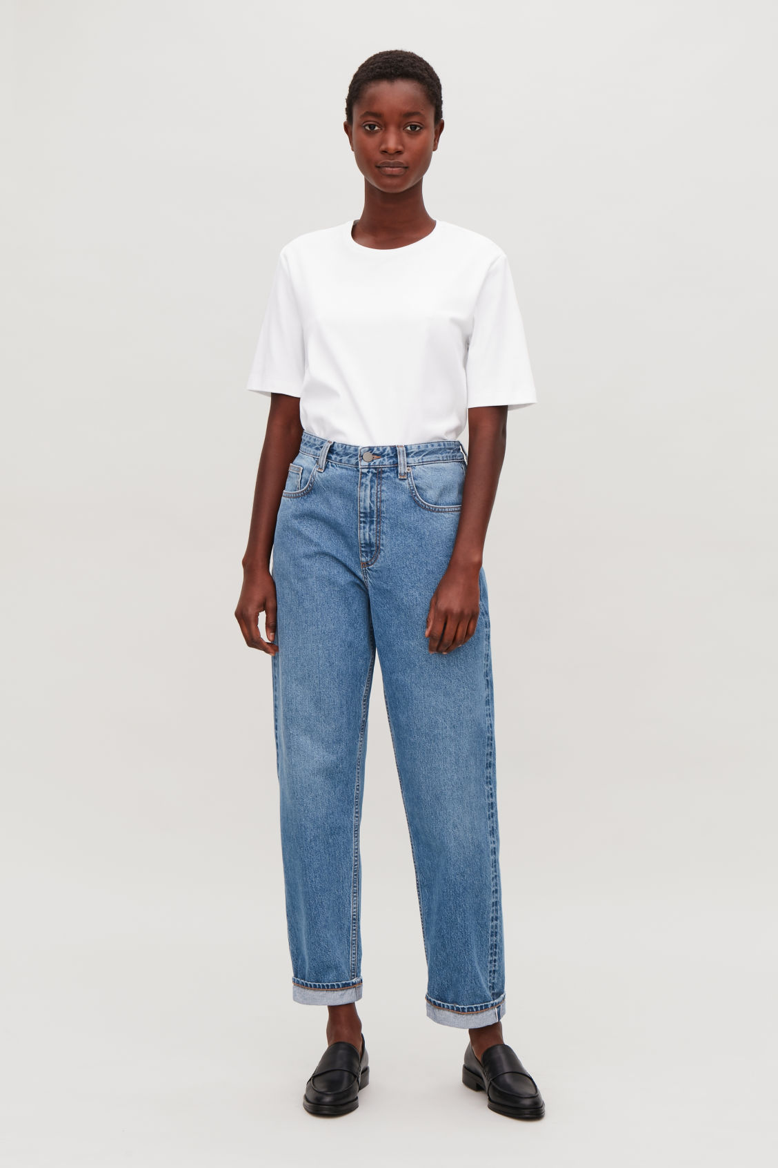 Model front image of Cos selvedge straight-leg jeans in blue