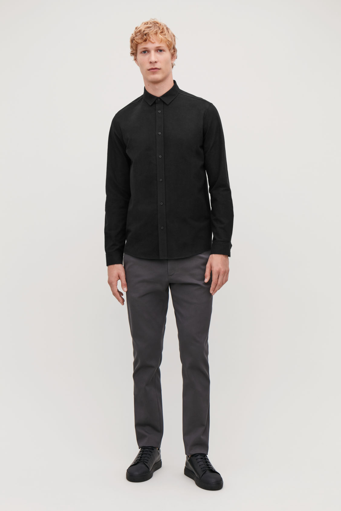 Model front image of Cos flannel cotton shirt  in black