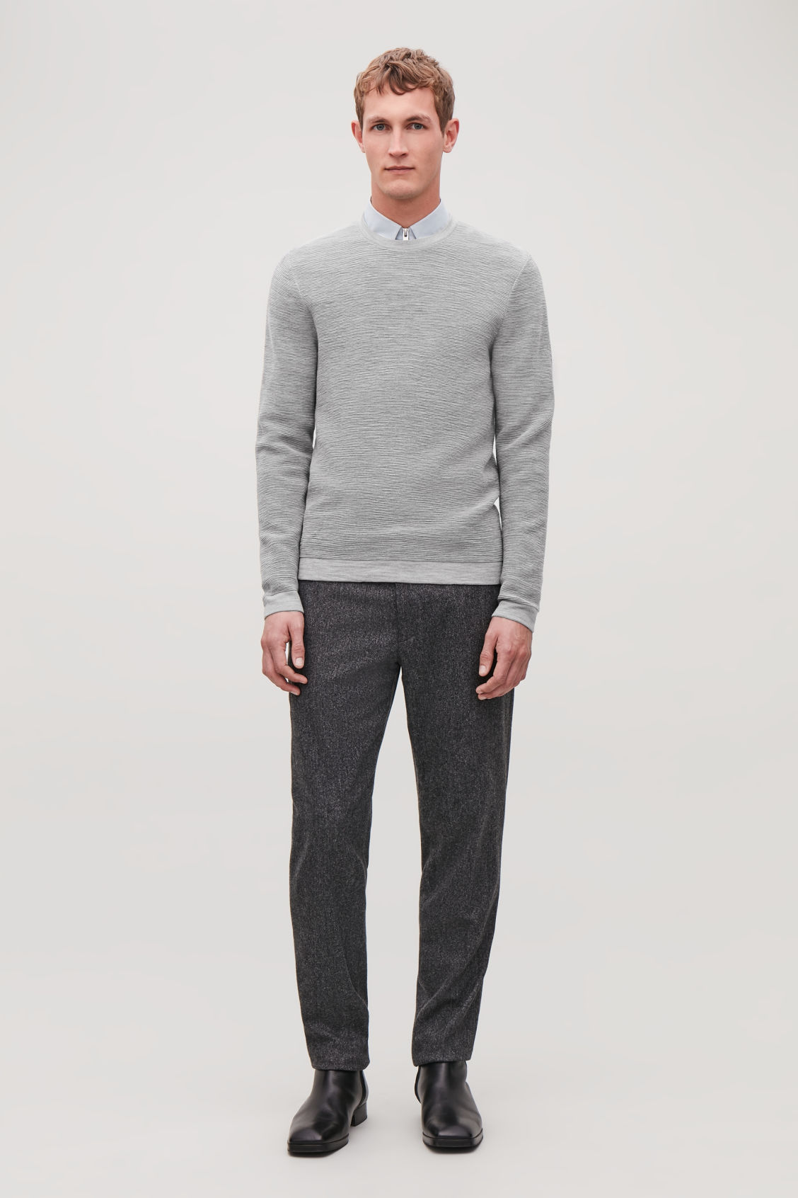 Model front image of Cos ripple-stitch knit jumper in grey
