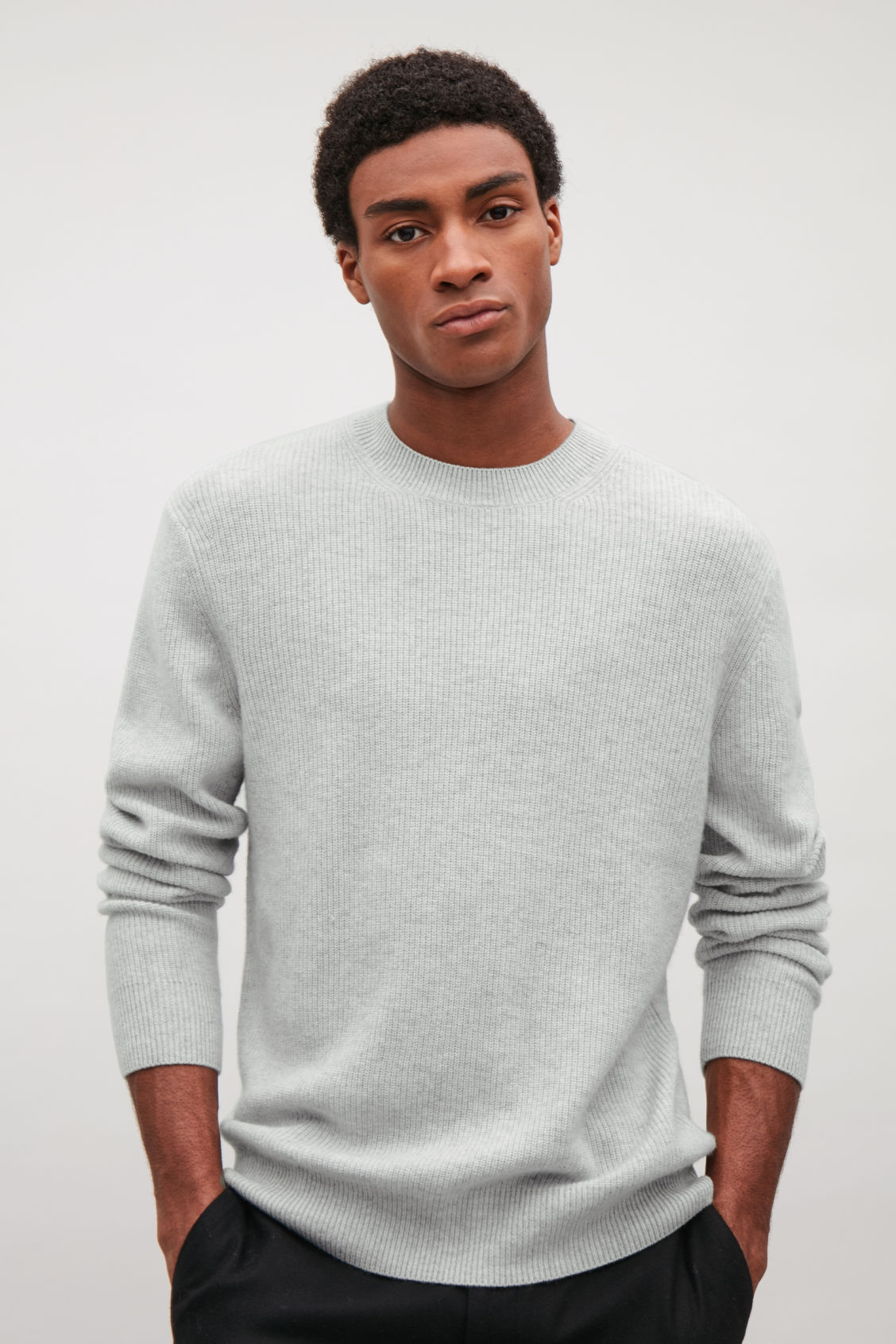 Model side image of Cos cardigan-stitch cashmere jumper in grey