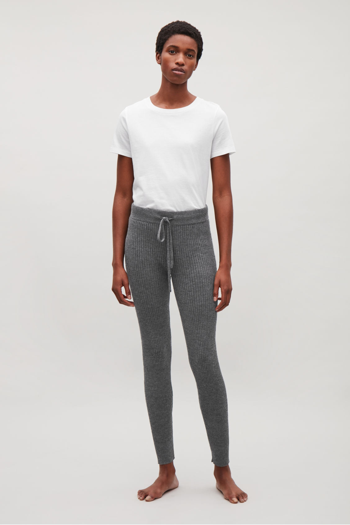 Model front image of Cos ribbed cashmere trousers  in grey