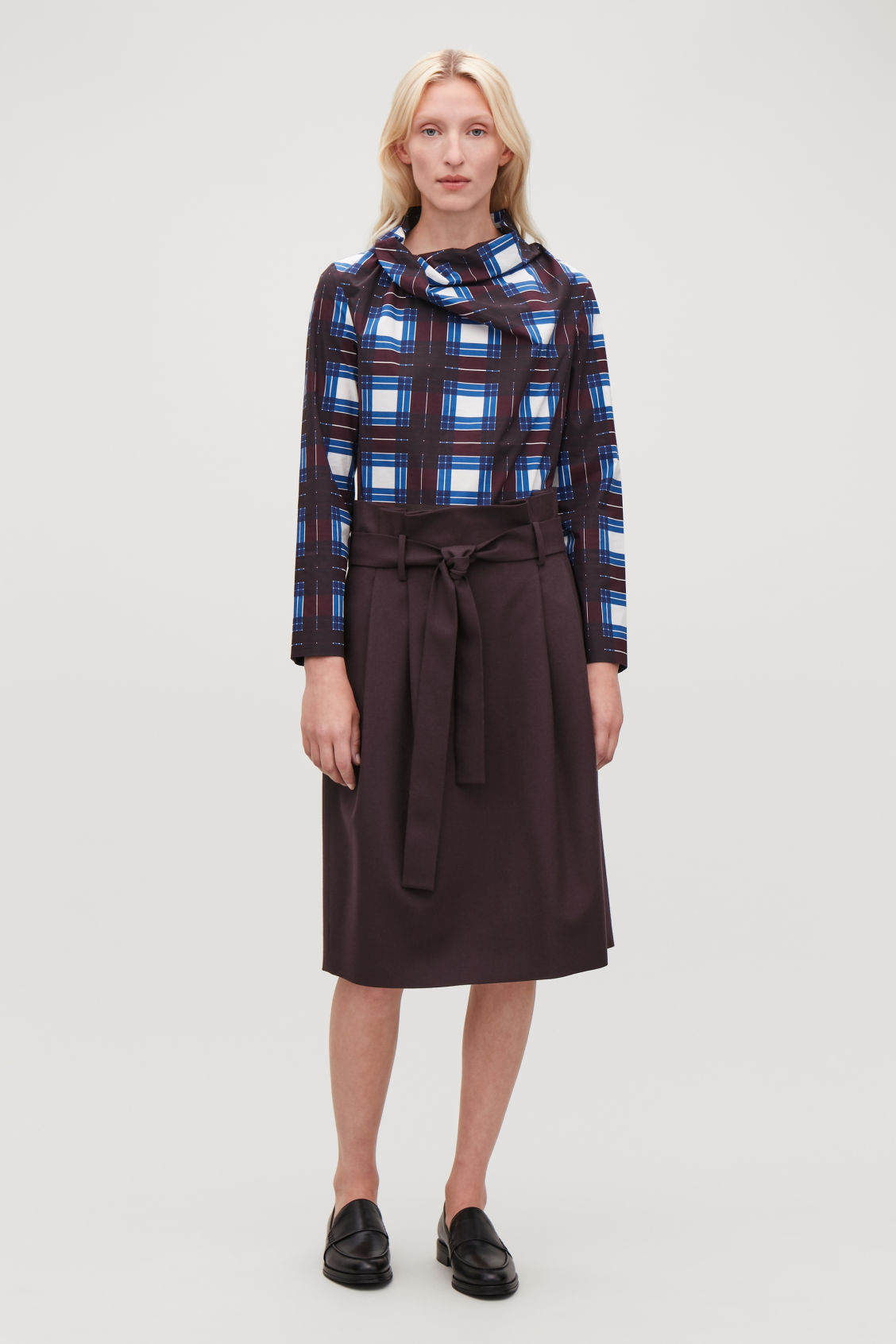 Model front image of Cos wool skirt with paperbag waist  in purple