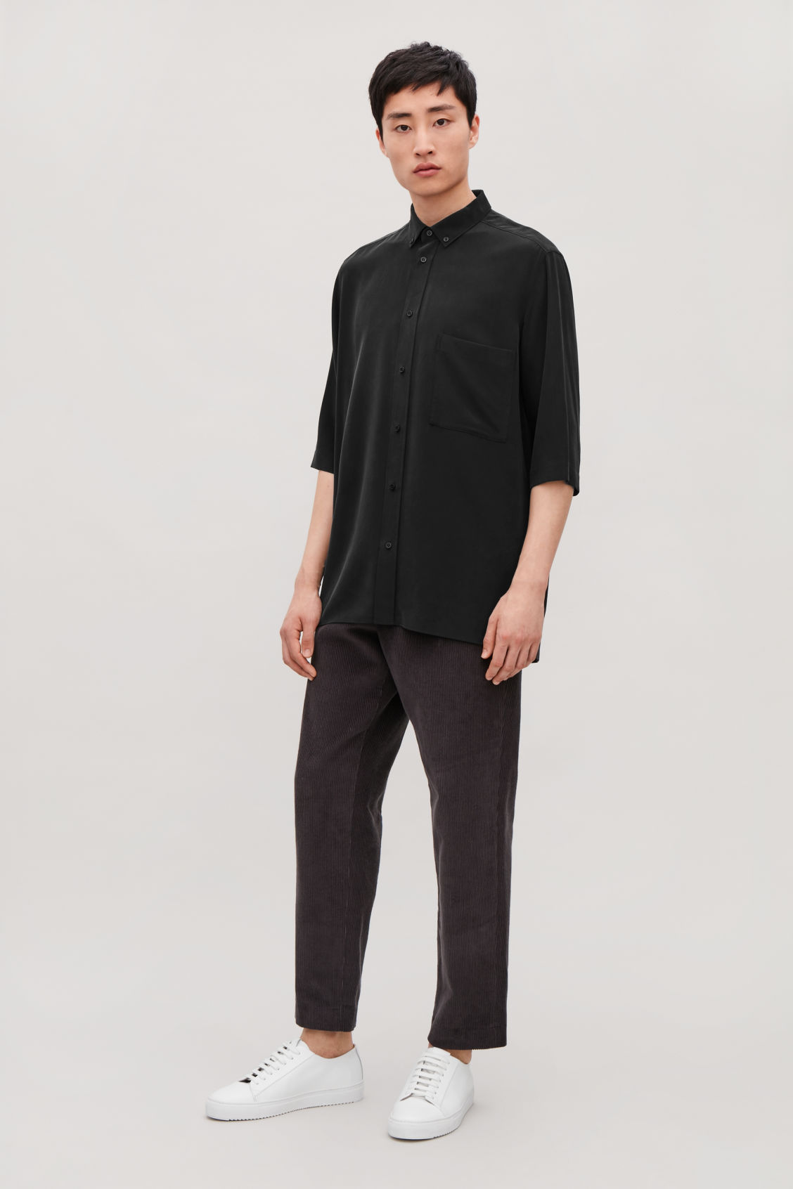 Model front image of Cos silk shirt with ¾ sleeves in black