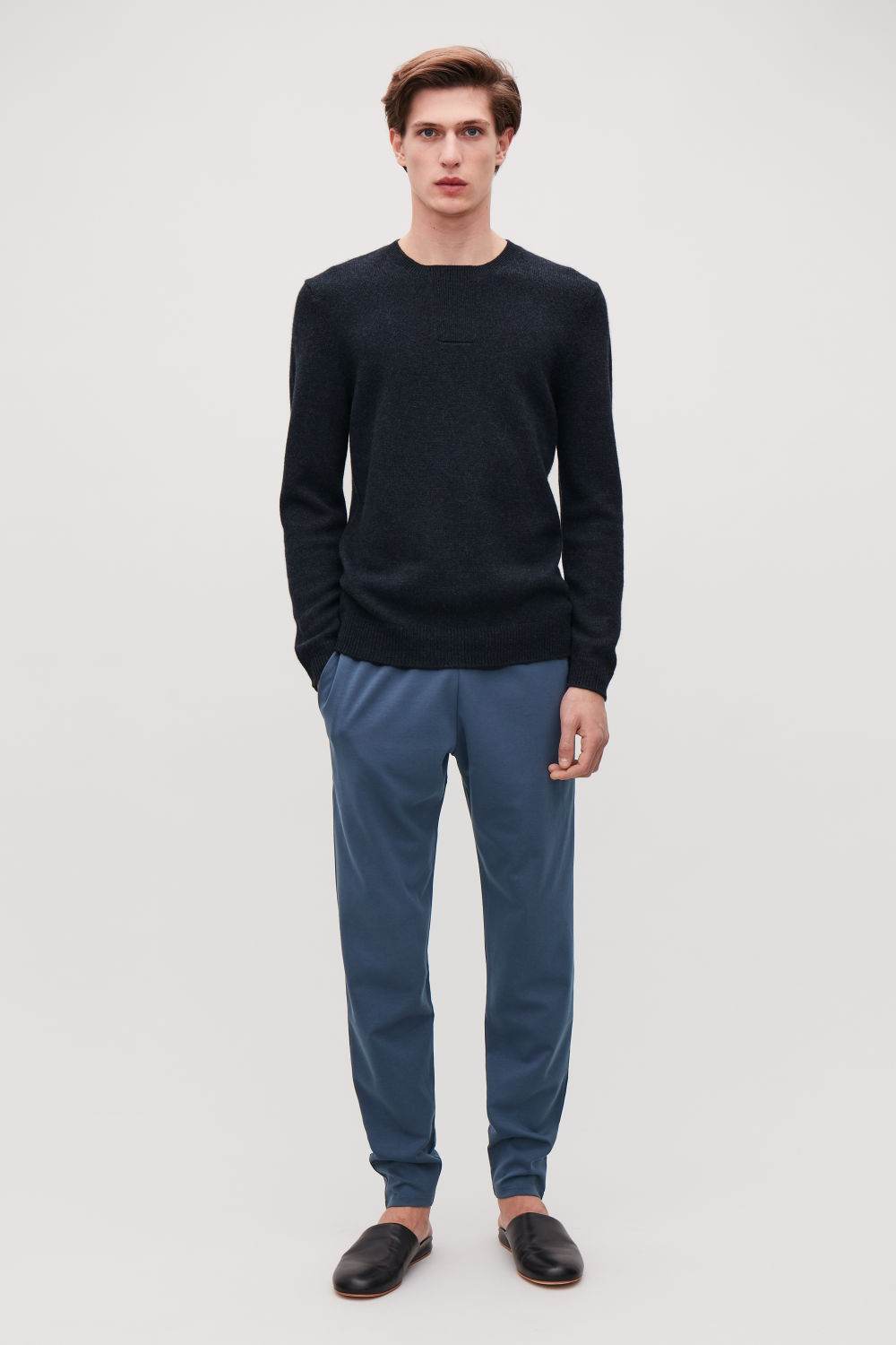 STITCH-DETAILED CASHMERE JUMPER