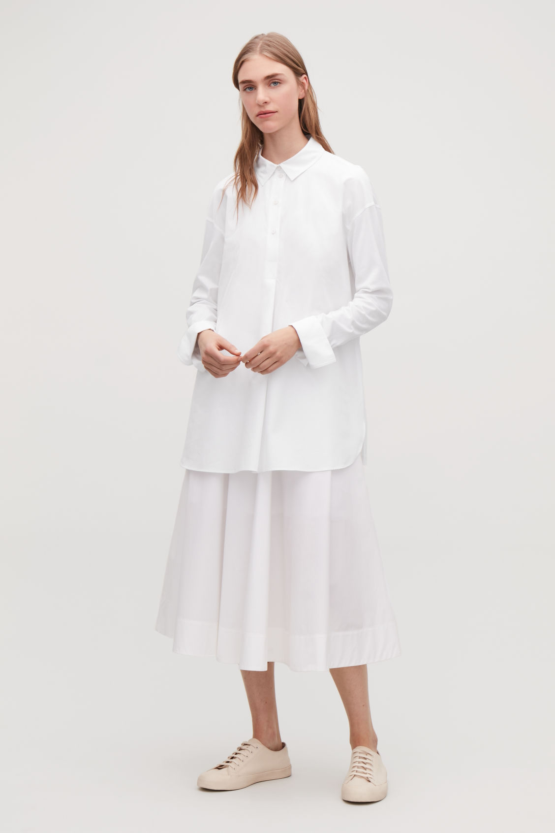 Model front image of Cos jersey-woven shirt with pleat in white