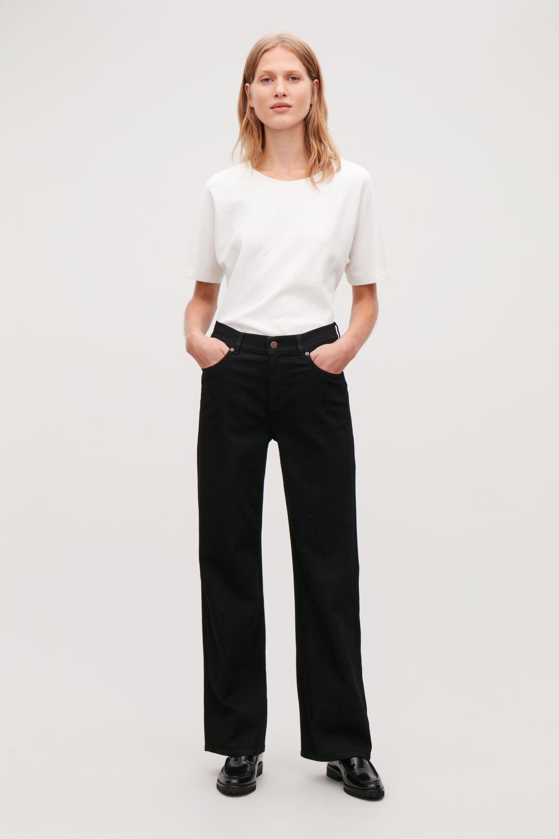 Model front image of Cos 32 inch wide leg jeans in black