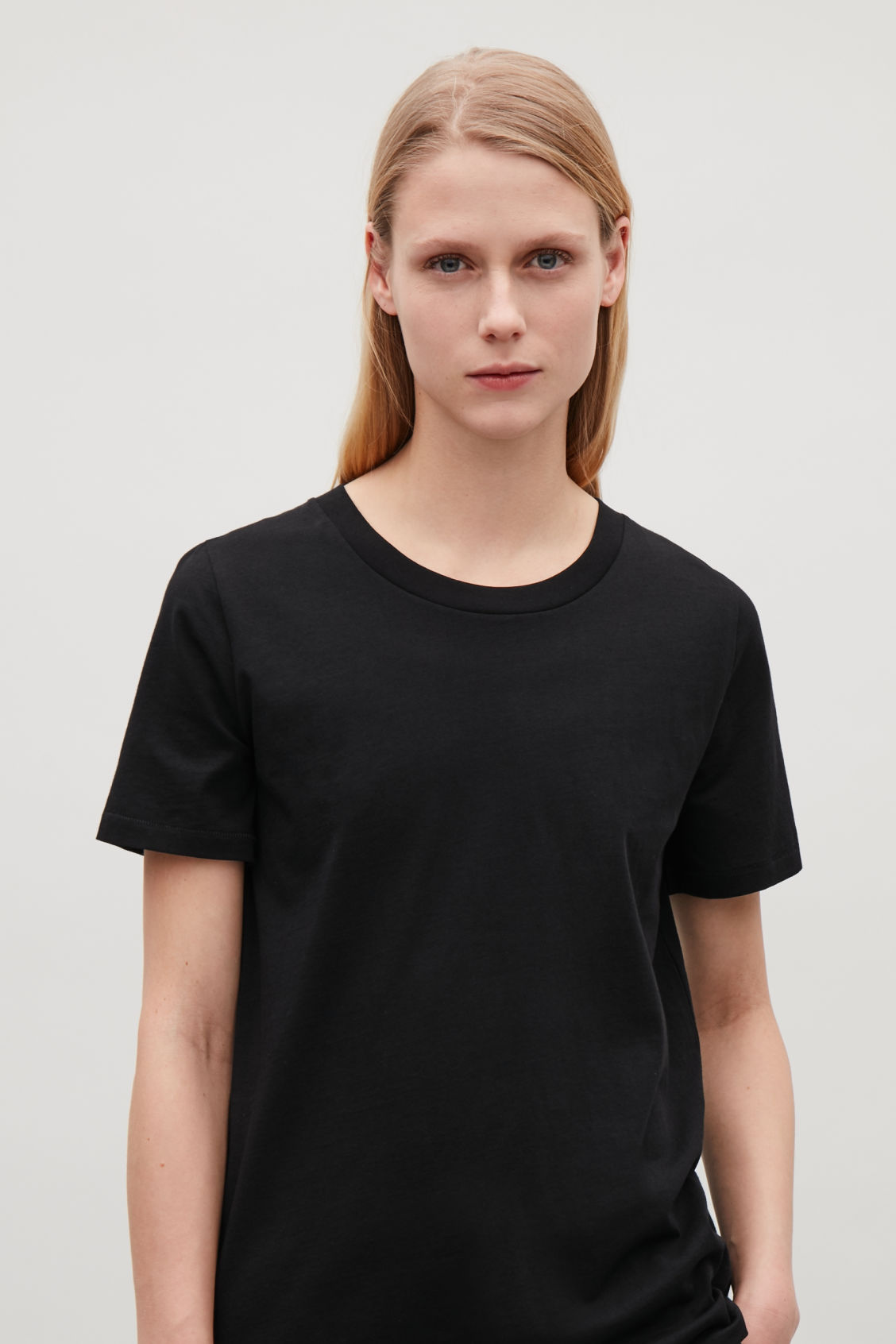 Model side image of Cos pima-cotton t-shirt  in black