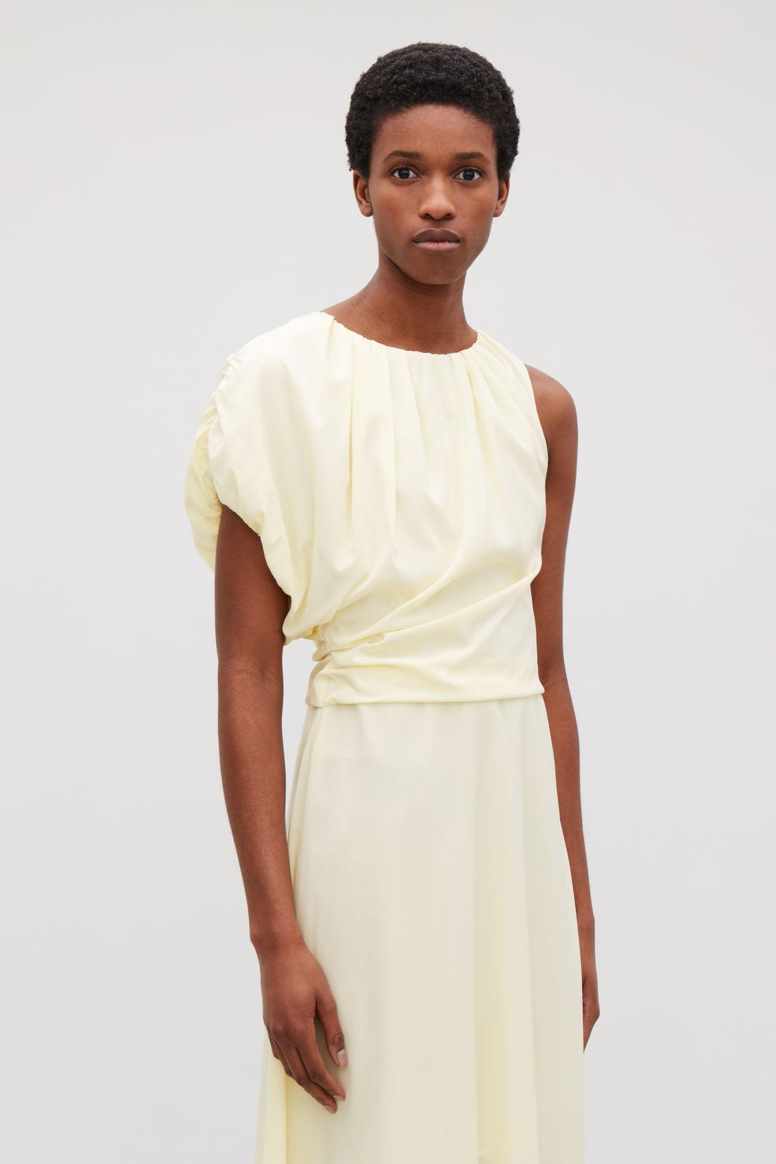 ASYMMETRIC SILK DRESS - Pale yellow - Dresses - COS