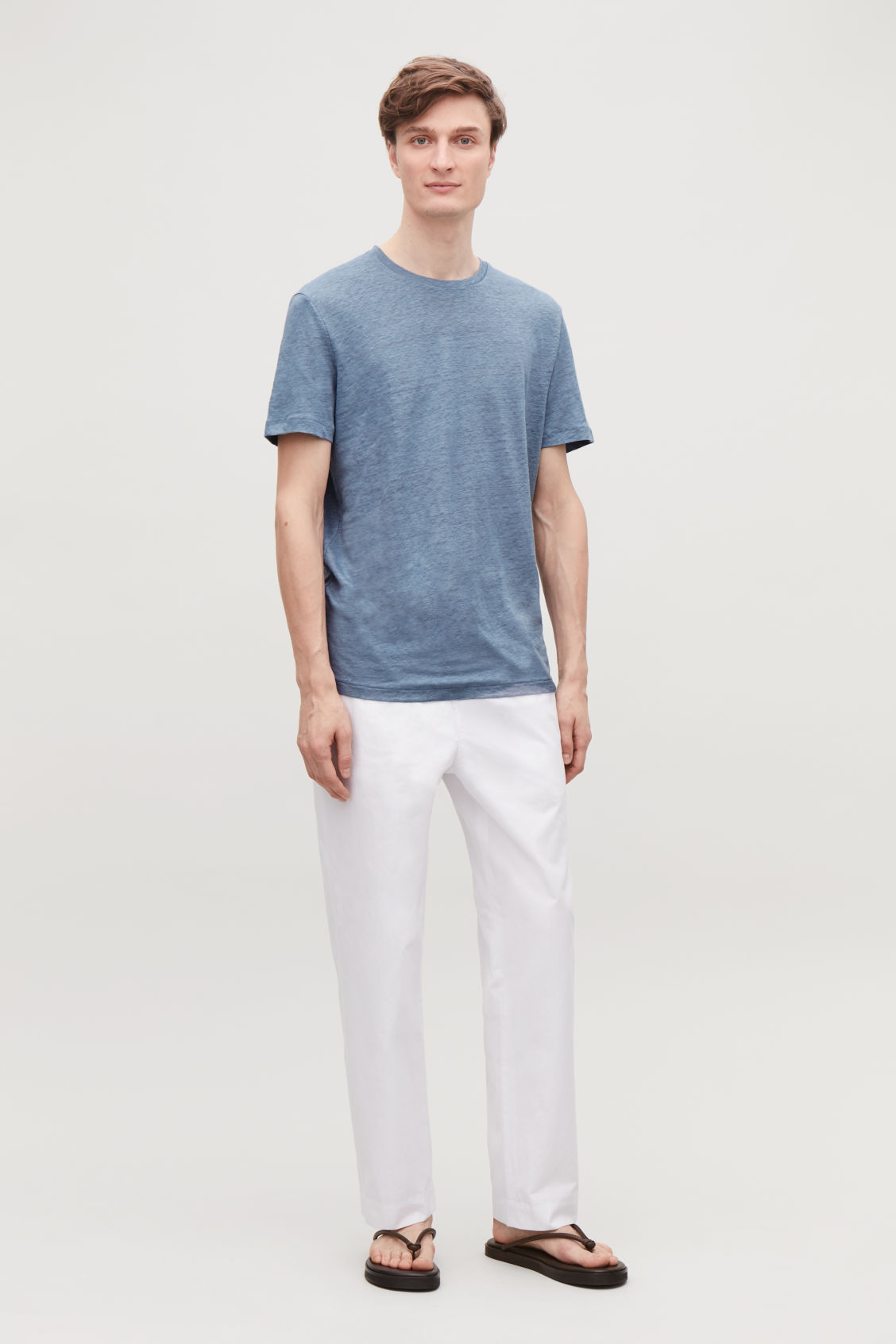 Model front image of Cos short-sleeved linen t-shirt in blue