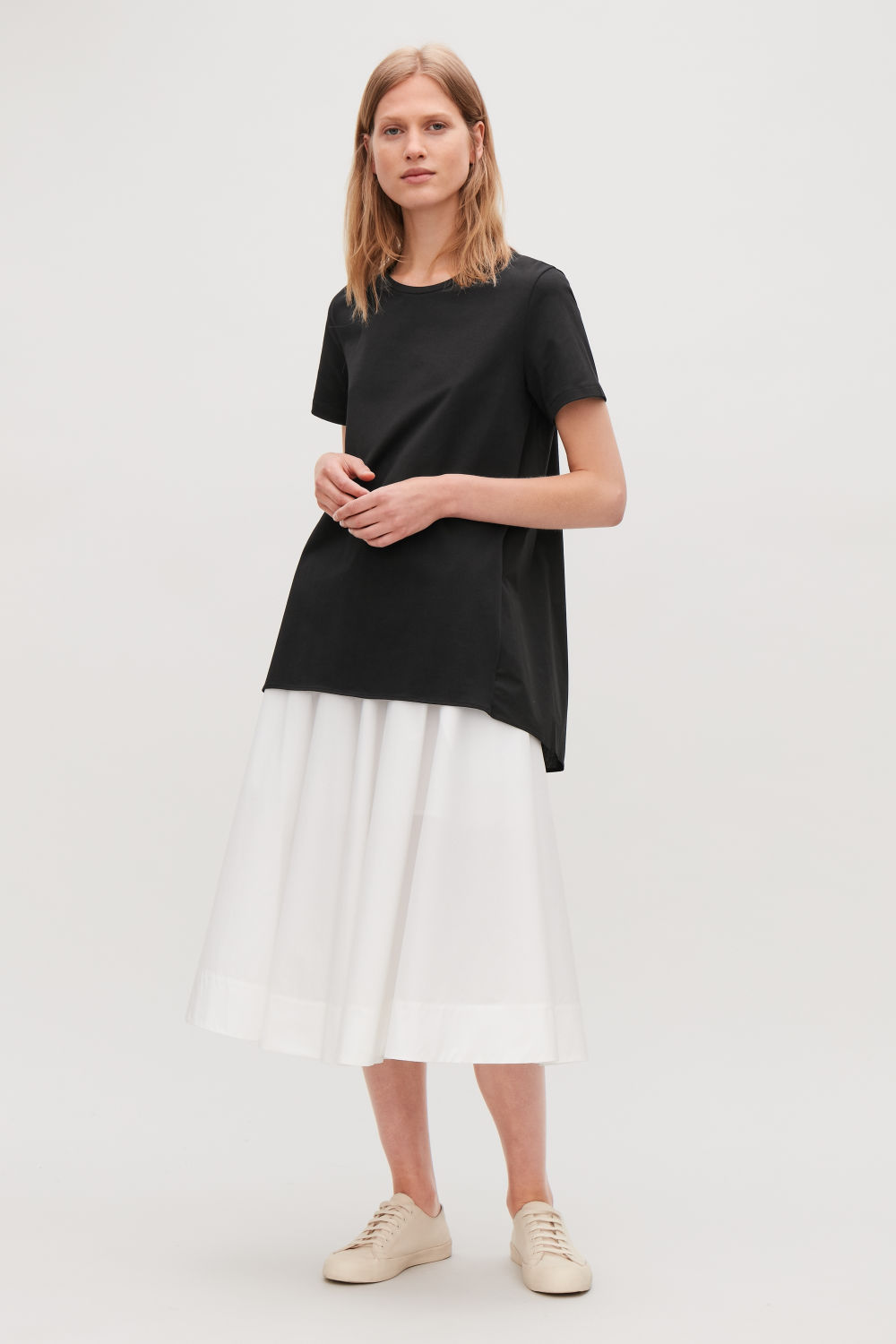 SHORT-SLEEVED A-LINE TOP