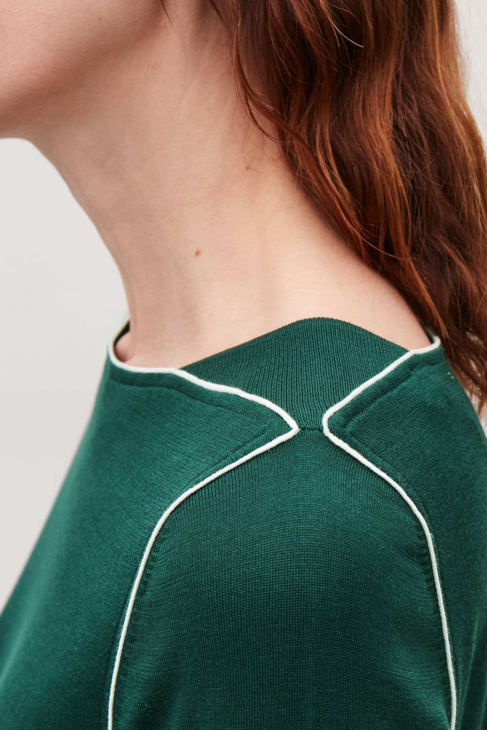 SILK-BLEND KNIT TOP WITH PIPING