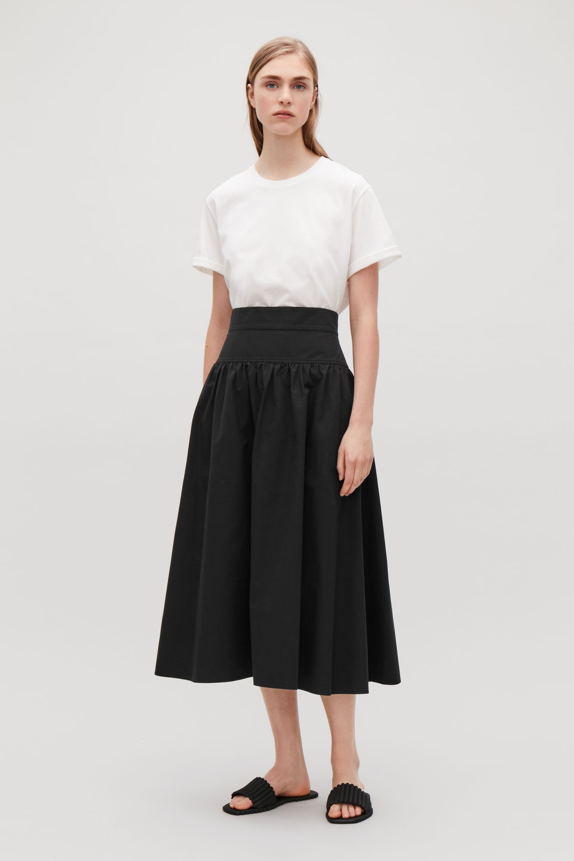 Model front image of Cos voluminous poplin panelled skirt in black
