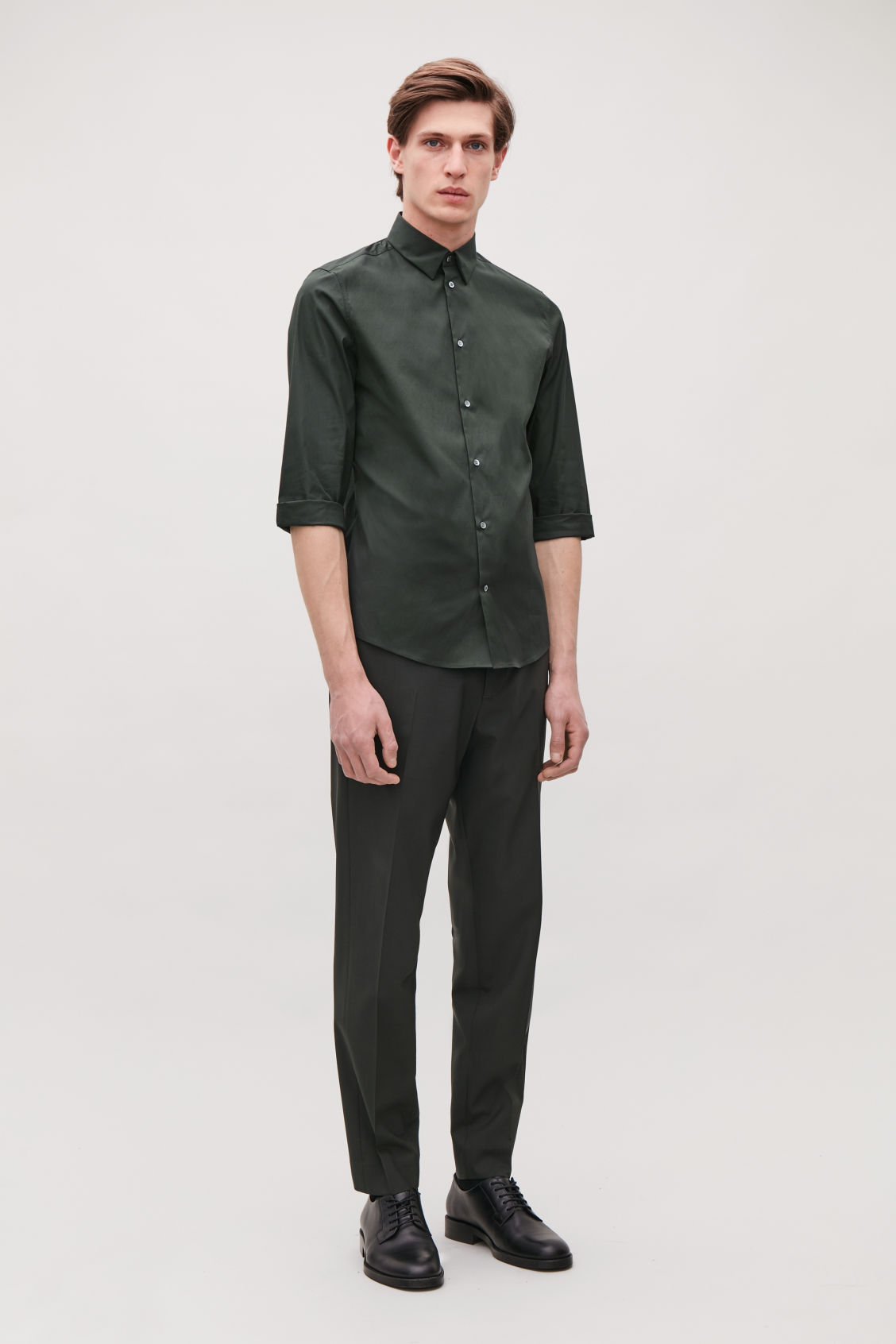 Model front image of Cos ¾-sleeved cotton shirt in green