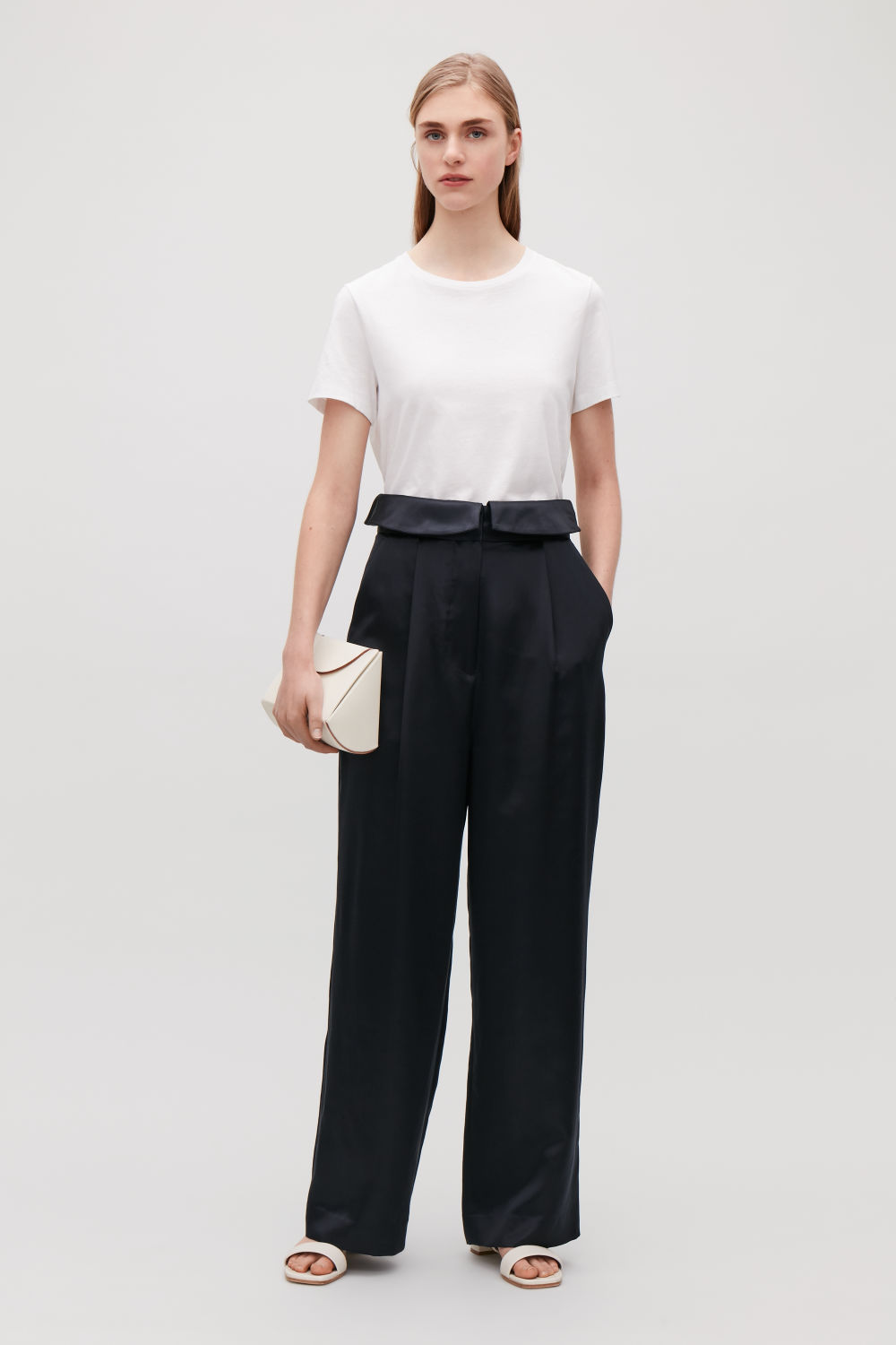 SILK TROUSERS WITH FRILL WAIST