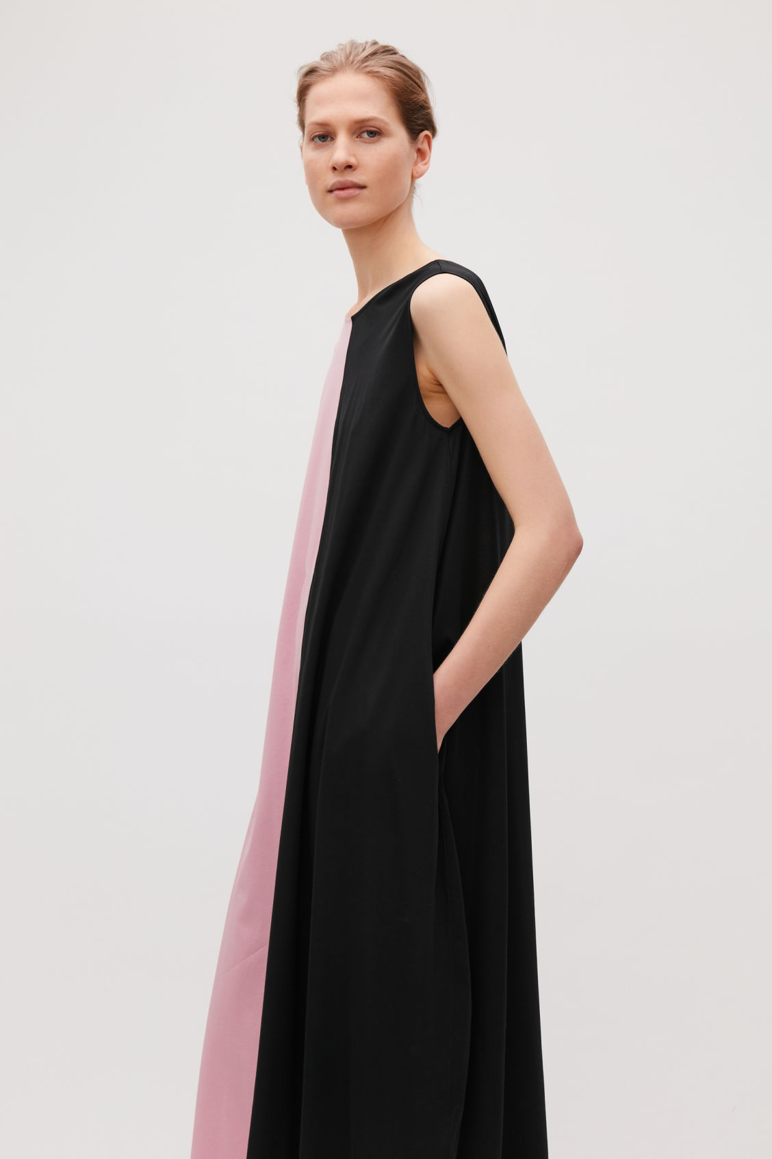 Model side image of Cos sleeveless balloon dress in pink