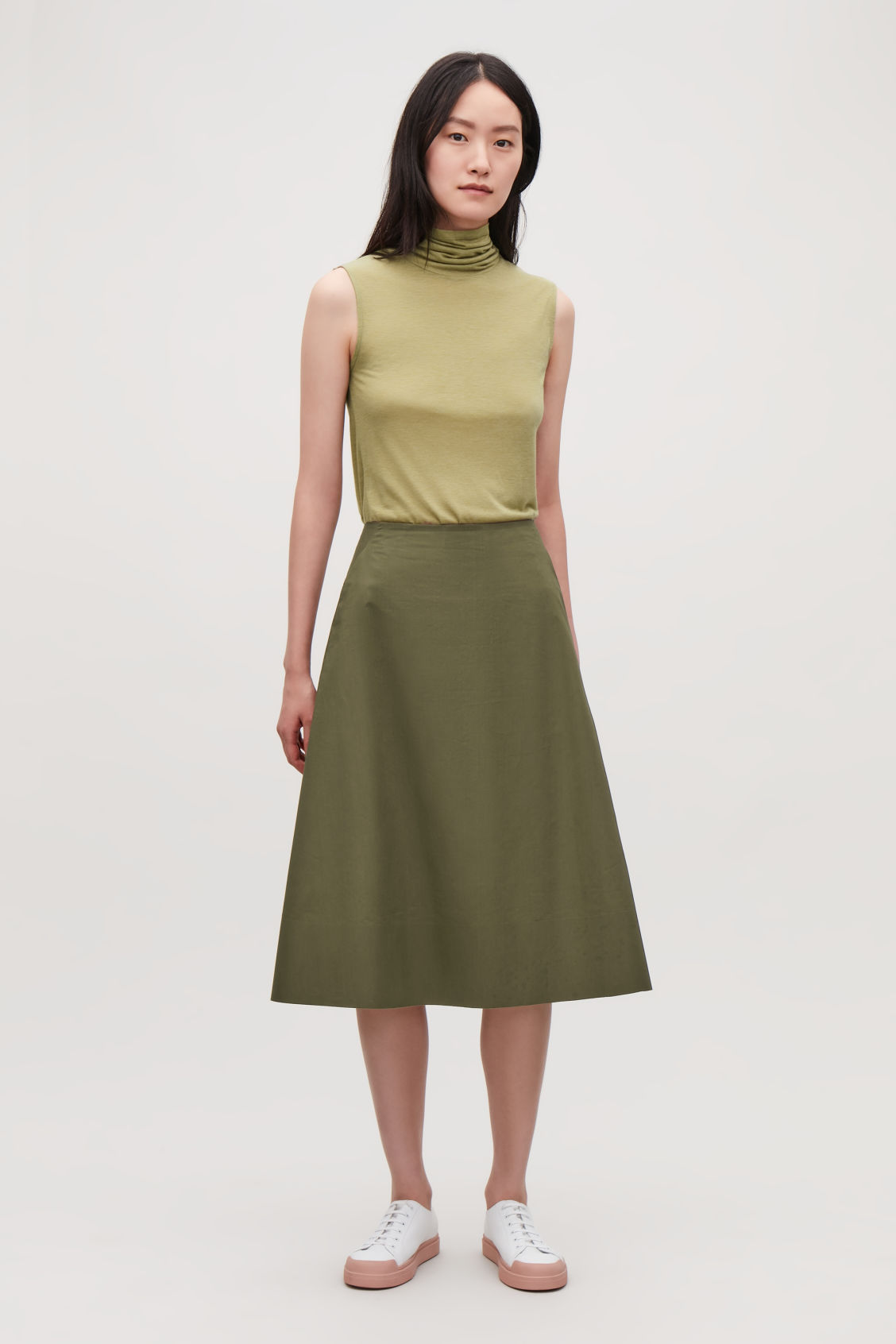 Model front image of Cos cotton-poplin a-line skirt in green
