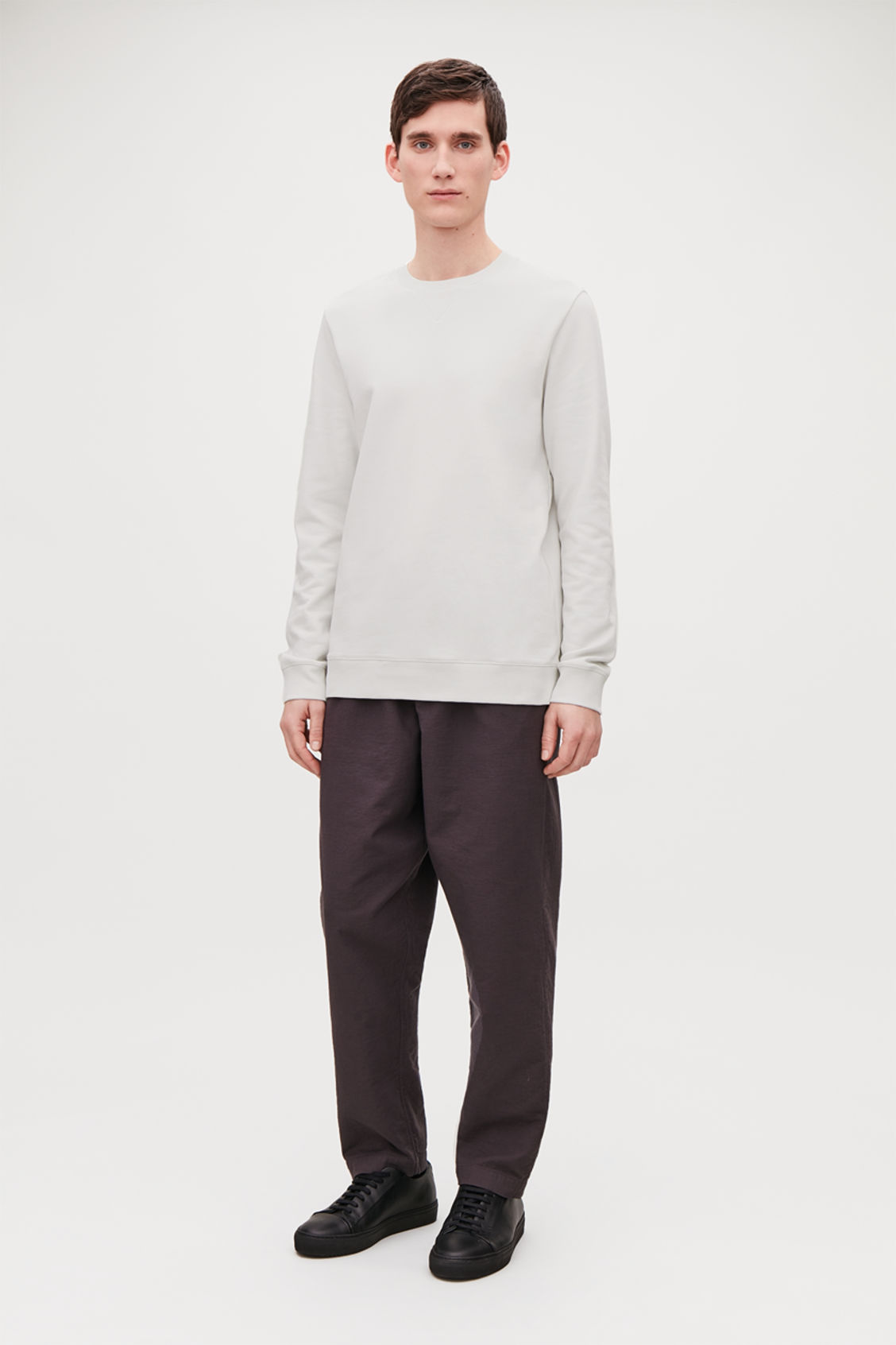 Model front image of Cos brushed cotton sweatshirt in grey